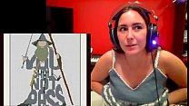streamer lets breasts show accidentally bellajugando